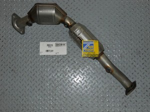 Direct Fit Catalytic Convertor. Left Side for Crown Victoria, Grand Marquis, Town Car. 1998-2002